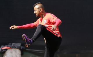 Arturo Vidal no entrenó con su selección y es duda ante Perú