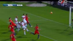 Aldo Corzo y el cabezazo que por poco termina en gol [VIDEO]