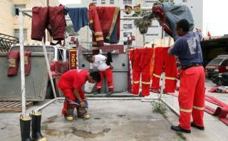 Cada bombero invierte unos S/700 en su propia seguridad