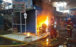 Incendio en mercado causó la muerte de decenas de animales