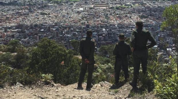 Los bellos cerros de Bogotá que solo podrás visitar con policía