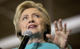 Hillary Clinton: FBI resucitó el escándalo de sus correos