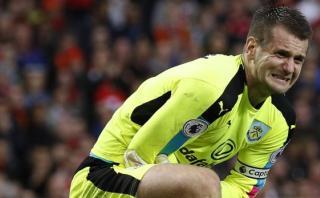 """Arquero sobre remate de Ibrahimovic: """"Casi me rompe el brazo"""""""