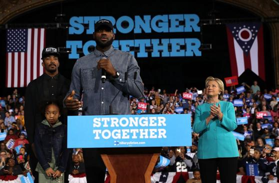 Hillary Clinton llama a votar entre el