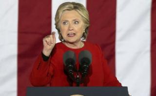 """Hillary: """"Trump es una bala perdida que pondrá todo en riesgo"""""""