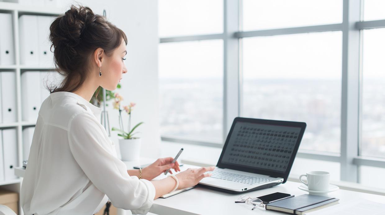 Cómo saber si eres adicta al trabajo y qué hacer para evitarlo