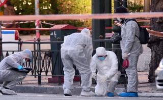 Atentado contra embajada francesa en Atenas deja policía herido