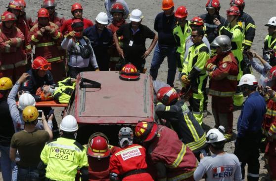 Bomberos y serenos de San Borja se preparan ante emergencias
