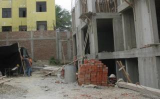 Obrero muere electrocutado tras realizar instalaciones en casa