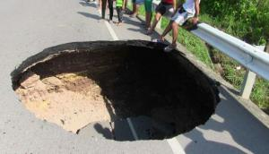 Ucayali: carretera de Aguaytía se hundió tras intensa lluvia