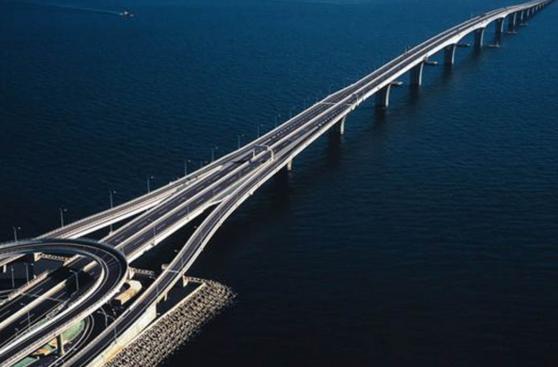Descubre cinco de los puentes más llamativos del mundo