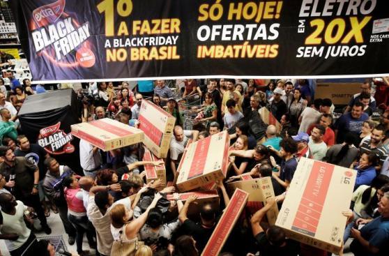 Black Friday: Día de locura en los supermercados del mundo