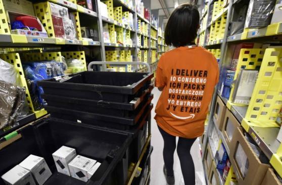 Contra el reloj: así trabajan en Amazon este 'Black Friday'