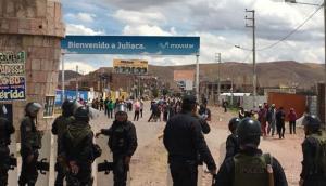 Puno: turistas afectados por bloqueo de salida de aeropuerto