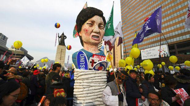 Surcoreanos piden destitución de presidenta por sexta semana