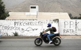 Huaycán: aparecen pintas en contra del presidente Kuczynski