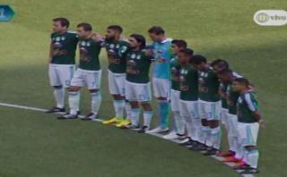 Cristal rindió homenaje al Chapecoense con camiseta verde