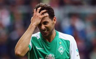 Claudio Pizarro sufrió hemorragia nasal en prácticas del Bremen