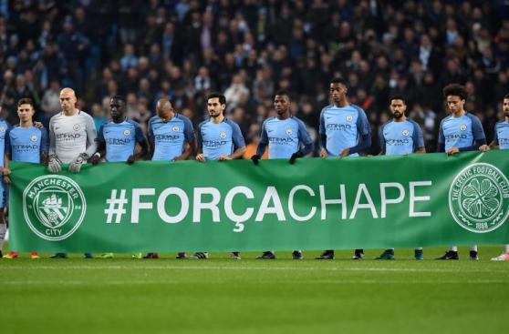 Víctimas del Chapecoense fueron recordadas en Champions League