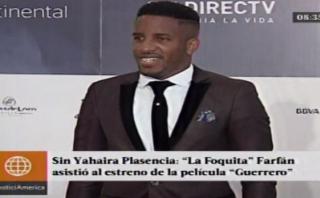 "Jefferson Farfán llegó solo a la premiere de ""Guerrero"" [VIDEO]"