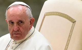 Vaticano renueva decreto que impide a homosexuales ser curas