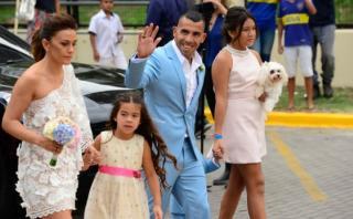 Así inició la maratónica boda de Tevez con Vanesa Mansilla
