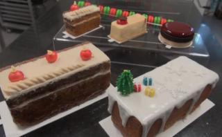 Cómo armar una mesa de postres navideños según dos expertos