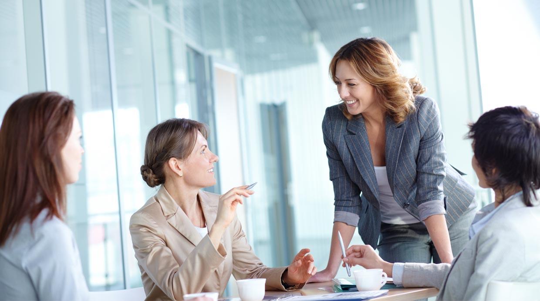 Los riesgos de tener una relación 'demasiado buena' con tu jefe