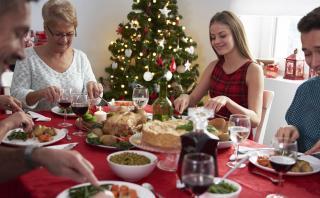 Consejos para evitar intoxicaciones en la cena de Año Nuevo