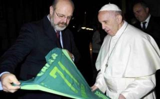 Papa Francisco recibió camiseta del Chapecoense en el Vaticano