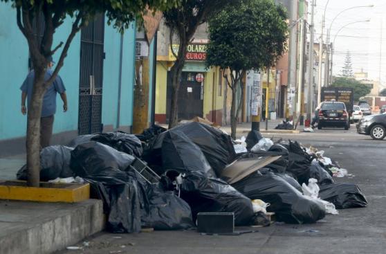 Así amaneció Lima tras los festejos por Año Nuevo
