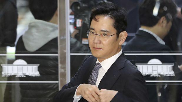 Fiscalía surcoreana pide detención del jefe de facto de Samsung