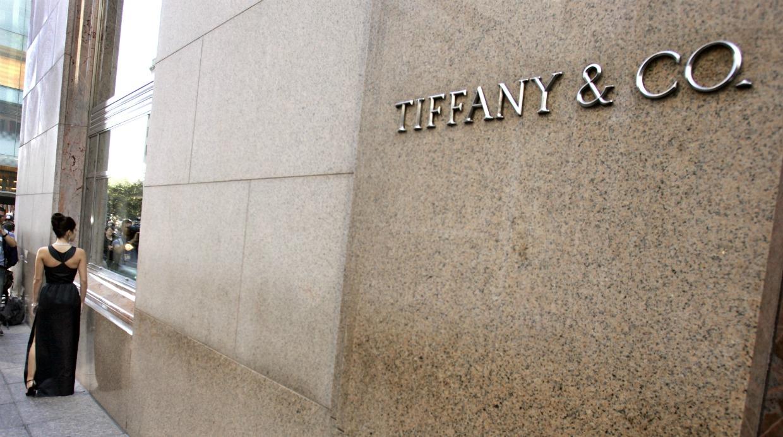 f78b4d05bd4d Tiffany   Co. culpa caída de ventas a su cercanía a Torre Trump ...