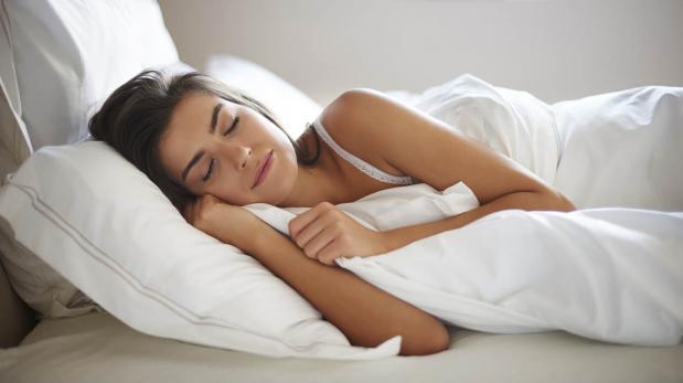 La posición en la que duermes puede ocasionar arrugas