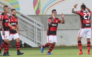 Con Paolo Guerrero y Trauco, Flamengo goleó 3-0 al Macaé