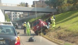 Vía Expresa: conductor sufrió accidente en acceso a Av. Iquitos