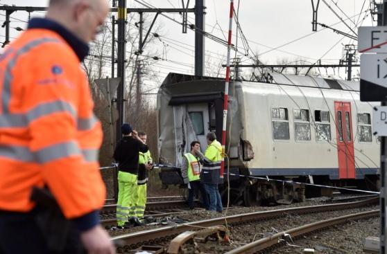 Bruselas: Descarrilamiento de tren deja un muerto y 20 heridos