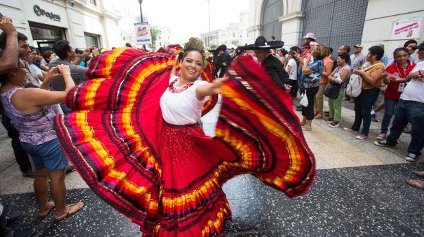 Comparsas de más de 10 países recorrerán calles de Lima