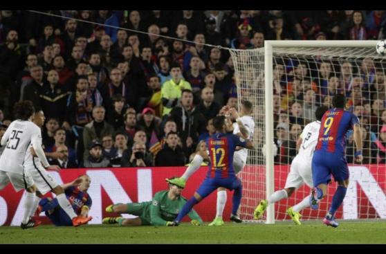 Las fotos del autogol que provocó Andrés Iniesta en Champions