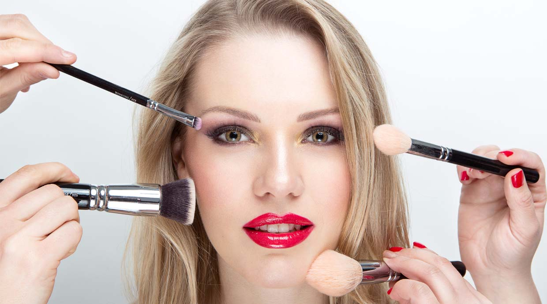 Cinco trucos de maquillaje para estilizar el rostro