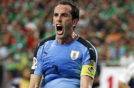 Los futbolistas de Uruguay en capilla para duelo contra Perú