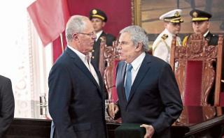 Castañeda ahora critica a PPK por expresión sobre municipios