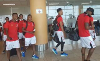 Selección peruana viajó rumbo a Venezuela por los tres puntos