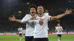 Podolski se despidió de la selección alemana con este golazo