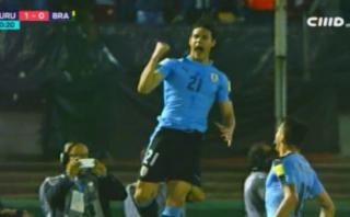 El penal sobre Cavani que el propio delantero convirtió en gol