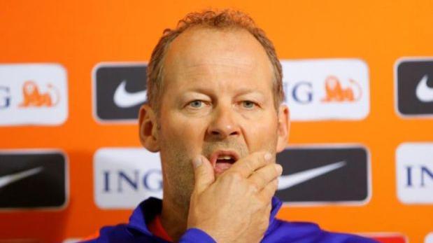 Holanda: Danny Blind fue destituido de la dirección técnica