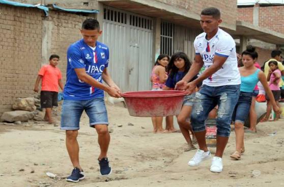 El deporte peruano se unió para ayudar a víctimas del huaico