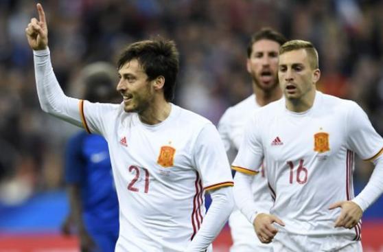 España venció 2-0 a Francia de visita en amistoso internacional