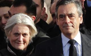 Francia: Imputan a esposa de candidato por empleos ficticios