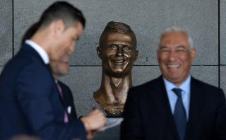 La estatua de Cristiano Ronaldo recibe críticas